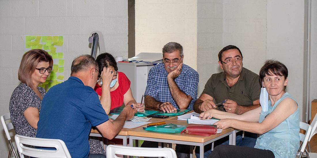 В рамках внедрения новых образовательных стандартов проходят переподготовку также директоры и заместители директоров школ